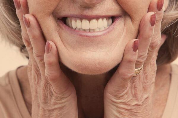 Implantología-prótesis-dentales-removibles